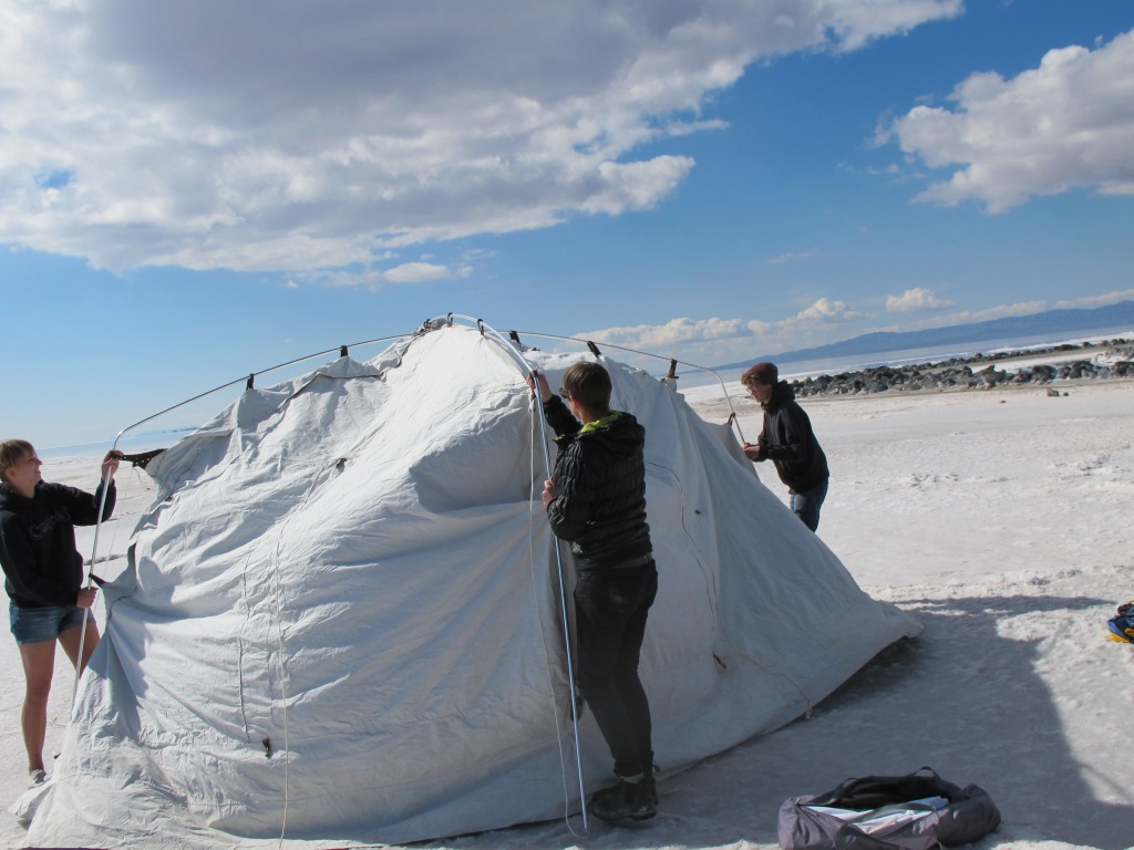 Portable Camera Obscura installation on the Great Salt Lake, at Robert Smithson's Spiral Jetty